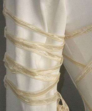 3b3c44223c141b Fleur de Lys Mittelalterkleid. Detailbilder der Ärmelschnürung:  Aermelschnuerung